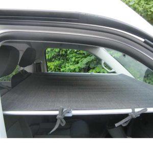 Cama adicional para la cabina de los vehículos
