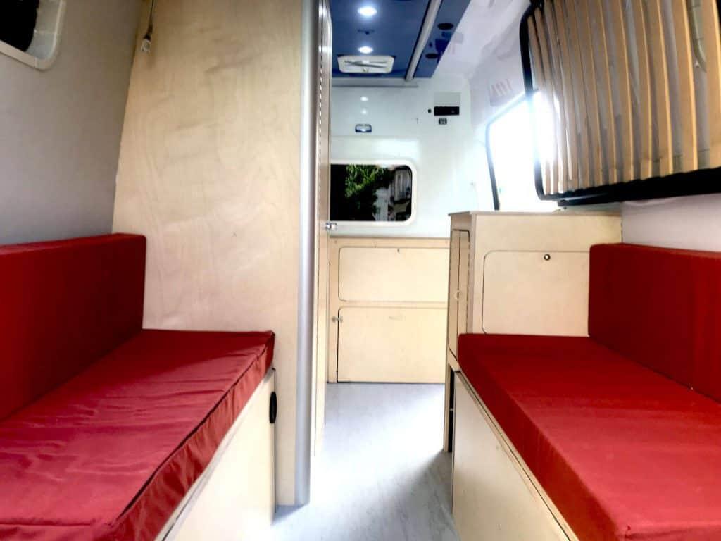 ford-transite-3-personas-interior_1280x960_1